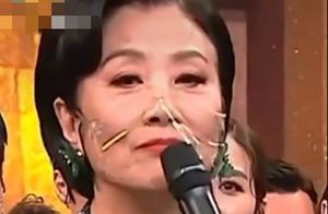 73岁汪明荃让TVB加薪?颁奖典礼霸气发声,穷得保鲜膜当口罩