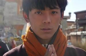 藏族男孩一夜爆火又翻车?赞美他可以,捧杀不行