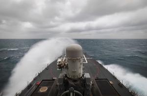 嚣张!美军称两艘驱逐舰今日穿越台湾海峡,并公开现场画面