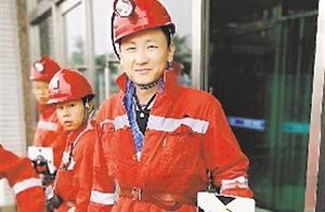 「宁夏致敬70年」山火越燃越旺,储油罐受到威胁!危难时刻,两个宁夏年轻人挺身而出