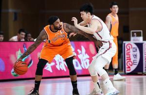 这是奇迹!时隔6856天创纪录,上海三分37中8仍大胜广东