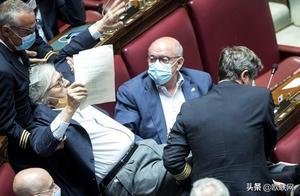 意大利众议员讲话拒戴口罩遭驱逐 向法院提出诉讼