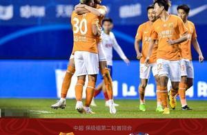 卓尔虽击败青岛,但第68分钟的换人,武汉球迷认为主帅缺乏胆识