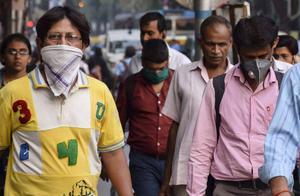 印度疫情持续失控,医院卫生状况堪忧,猴子黑猪老鼠在病房乱窜