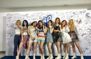 TWICE击败粉墨夺女子人气赏,妹妹风青春洋溢,EXO不在候补名单