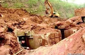 山东施工队挖出古墓,专家发掘挖出3异物,工人:禽兽不如