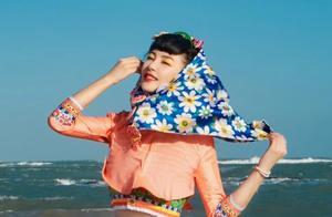 4女星戴碎花头巾,张雨绮造型太接地气,网友:土到极致就是潮