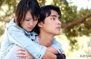 阔别14年再重聚,陈乔恩依偎在明道怀里,眼中含泪被喊:在一起