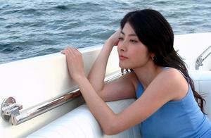 48岁陈慧琳久违露面,全身名牌贵气足,拒内地工作甘当全职妈妈
