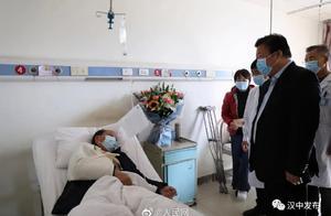 痛心!陕西5名干部扶贫返程遇交通事故,1人殉职4人受伤