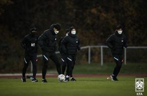 韩国足球队多例球员确诊,实行戴口罩训练、分开就餐!
