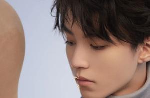王俊凯又登央视节目了!演唱会版本的《美丽》在全国观众面前播放