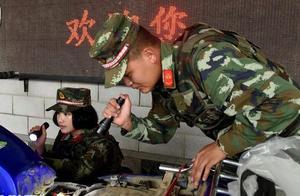 致敬!中缅边境缉毒,有勇有谋战刀尖,10年缴毒1.5吨