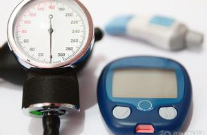 """血糖总是""""坐过山车"""",影响因素大多有3个,多上点心"""
