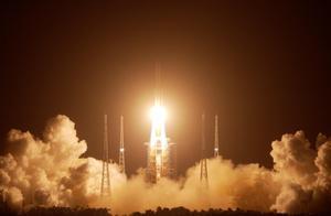 嫦娥五号发射升空!在月球上看到的地球是怎样的?