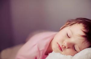 冬天孩子起床困难?记住4个小妙招,让孩子不再因赖床而迟到