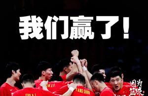 中国男篮获胜的X因素,赵睿在场上做出争议动作,被驱逐离场。