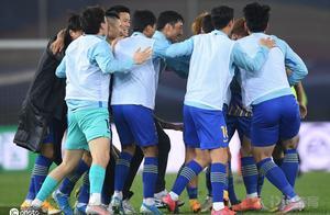 热议10人苏宁易购淘汰上港:裁判尽力了足球赢了 期待更多惊喜