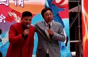 62岁冯巩高龄演出,卖力到嗓子沙哑略心酸,不忘嘲笑老搭档牛群