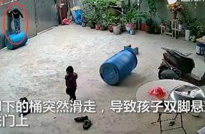 惊险!海南3岁男童被栓脖子吊门上双脚悬空1分多钟,险酿悲剧