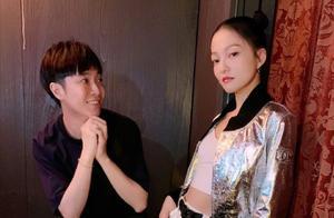 张韶涵力挺好友吴青峰,撕开创作歌手型背后经纪公司的伪善外衣