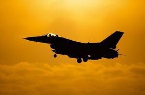 """台湾F-16战机失联,台防务部门:没有""""投诚""""【三分钟法治新闻全知道】"""