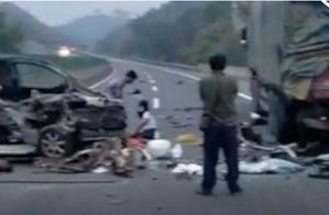广西梧州一面包车追尾大货车 应急管理局:事故已致5死2伤