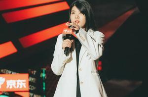 脱口秀的表演,池子公开否定杨笠肯定罗翔,杨笠冤枉吗?