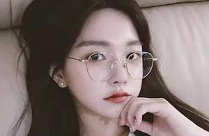 """黄子韬称""""想有个女友,想亲就亲"""",此前被曝与韩国网红女子绯闻"""