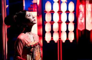 《衣尚中国》央视首播,李思思胡杏儿古装同台,中国之美美艳动人
