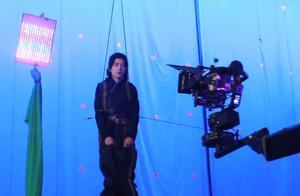 《斗罗》央8结局收视大涨,肖战微博之夜红毯造型帅,发电榜断层