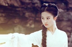 刘亦菲妈妈因一张照片火了!比女儿漂亮,和小28岁舒畅像同龄人