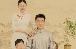 佟大为民国风全家福曝光,父子俩穿长褂,母女三人着旗袍超养眼