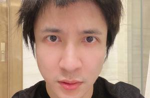 37岁薛之谦晒新发型,其老爸剪发手艺了得,令其重回出道颜值