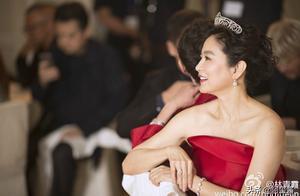 网友想被「东方不败」林青霞翻牌子,我却想着她的11亿大房子