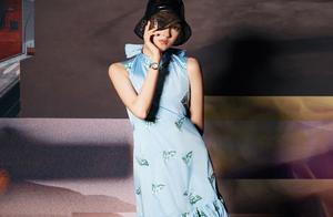 关晓彤既是谋女郎,又是国民闺女,活的竟像个紫茄子