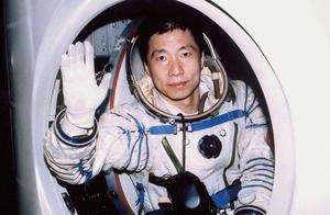 航天英雄杨利伟,受世人瞩目成功背后,是女儿的离世和妻子的离职