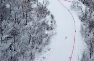 国内六大滑雪圣地,媲美阿尔卑斯!浪漫的雪地上,演绎速度与激情