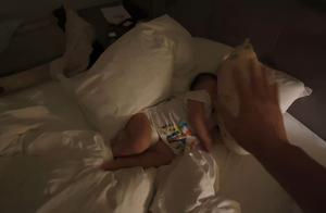 超感人!张晋离家三个月拍戏,蔡少芬与俩女儿落泪送别依依不舍