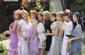 Twice新歌mv被指抄袭后,原设计者删除指控文案,事态将反转?