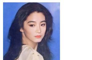 林青霞时隔六年再次回归社交平台,晒出自己年轻时的旧照。