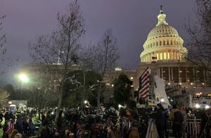 """""""令人震惊、可耻""""美国多位前总统及各国政要谴责抗议者冲击国会"""