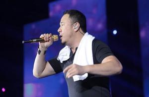 网友吐槽杨坤义乌演唱会,门票售价800,仅唱几首歌就开始卖货