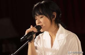 刘若英演唱会太好哭了