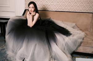唐嫣水墨天鹅公主裙,造型好仙啊,清丽雅致的水墨风