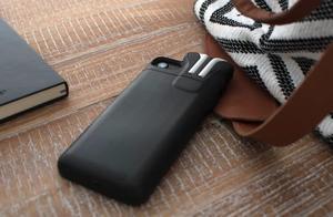 苹果正在研发可为 AirPods 充电的手机壳