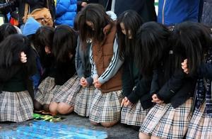 韩国迎来高考,49万考生参加,人数比去年少