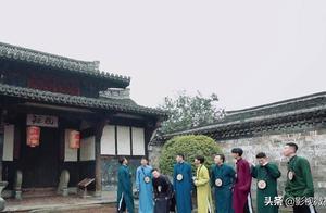 《德云斗笑社》女观众现场刨活,被粉丝网暴,当事人态度强硬