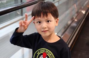 """藏族康巴男孩一夜走红,""""原生态""""高颜值,孩子朴实美最直击人心"""