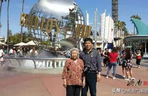 世界那么大,一起去看看!56岁的他,带85岁的母亲环游世界
